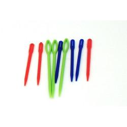 Aghi colorati di plastica